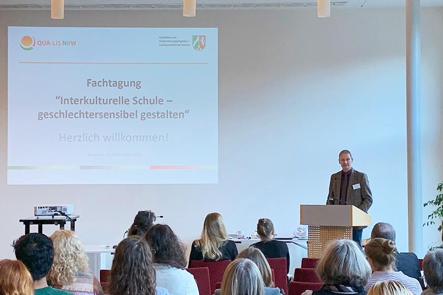 Begrüßung durch Eugen-Ludwig Egyptien, Direktor der QUA-LiS NRW